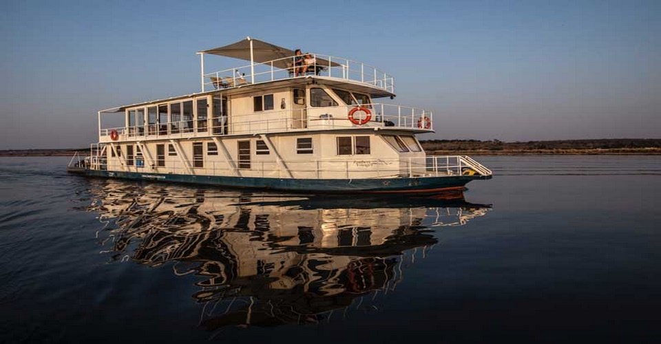 Victoria falls and Chobe Houseboat safari