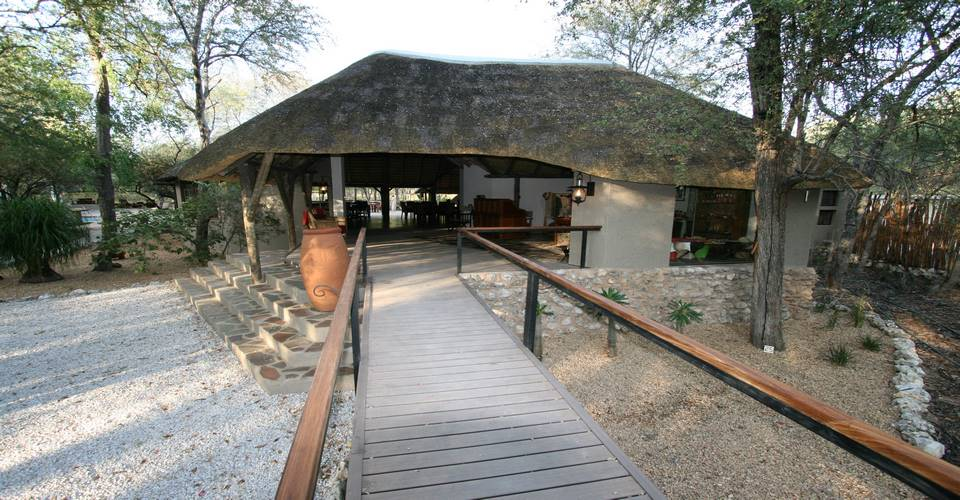 Aoba Safari Lodge