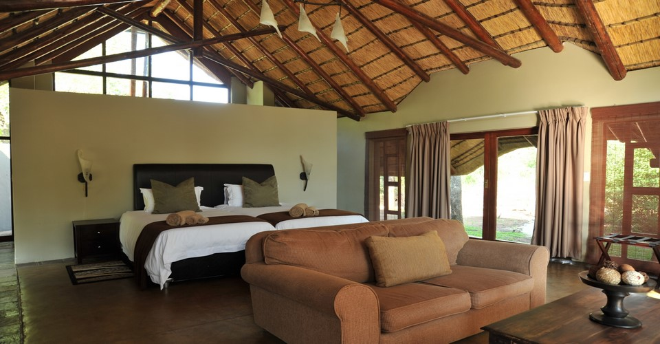 black-rhino-lodge-safari